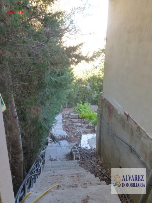 CHALET CON  AMPLIA PARCELA DE 5400 M2  EN ALHAURIN DE LA TORRE