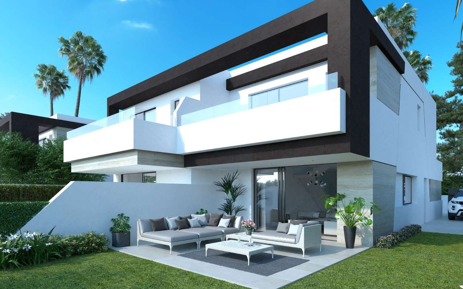 Semi-detached house for sale in Estepona